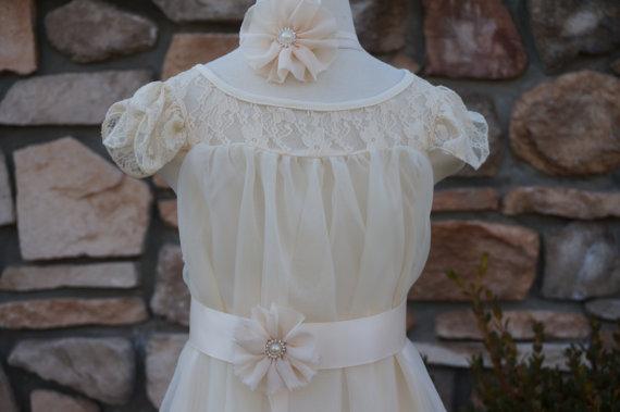 Mariage - ivory Flower Girl ,Wedding Dress,ivory Lace Dress, ivory  Dress, ivory Girls Dress-Flower Girl Dress Lace dress, ivory birthday dress