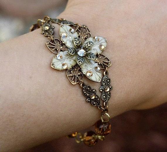 Mariage - Flower Bracelet, Weddings, Beadwork, Crystal Bracelet, Pearl Bracelet, Flower Bracelet, Bridesmaid Set, Ivory Bracelet, Mother's Day