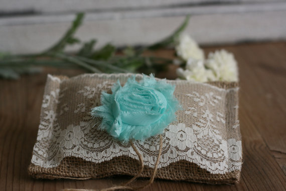Mariage - Rustic burlap ring bearer PiLLoW, rustic wedding pillow, small country chic ring pillow, ceremony pillow barn wedding