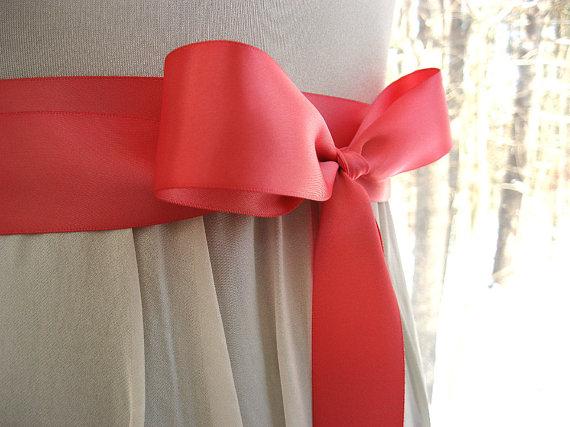 Mariage - Coral pink wedding sash, bridal sash, bridesmaid sash, bridal belt, 1.5 inch satin ribbon