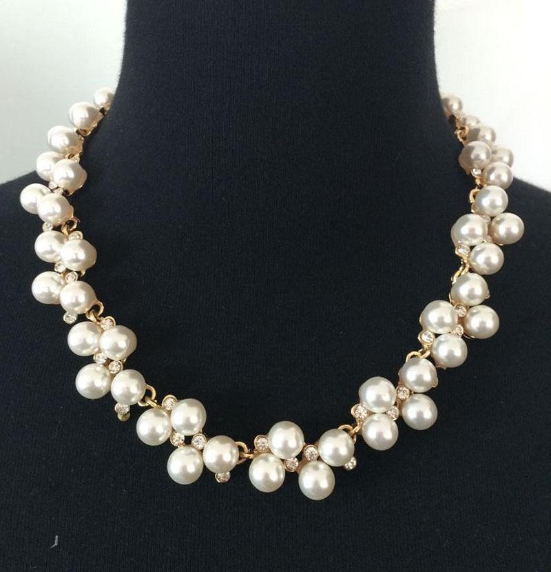 Свадьба - White Pearls Beaded Gold Tone Chain Wedding Jewelry Necklace, Bridal Jewelry