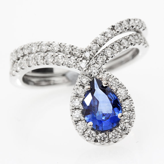 Blue sapphire peare shaped diamond wedding engagement ring for Blue sapphire wedding ring set