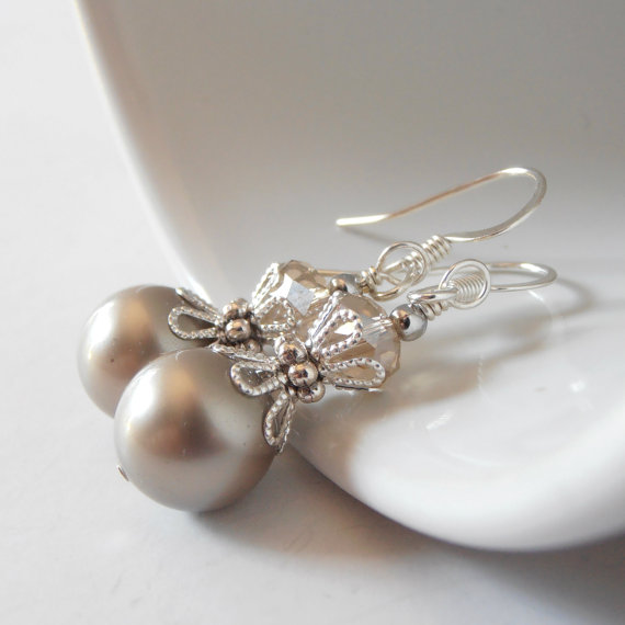 Hochzeit - Taupe Bridesmaids Jewelry, Platinum Pearl Earrings, Beige Bridal Sets, Beaded Dangle Earrings, Bridesmaid Gift, Swarovski Pearl Jewelry