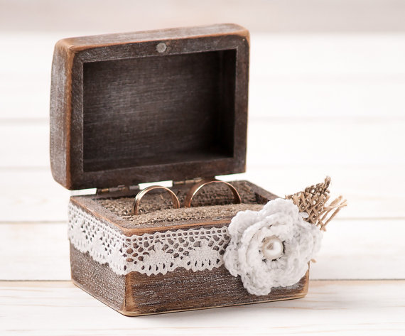Wedding ring box ring bearer pillow box with white fabric for Cute engagement ring boxes