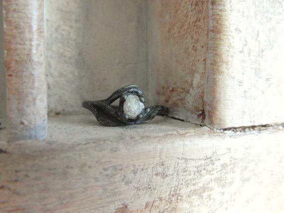 زفاف - Black rose-Unconventional-Mounted-snow white- raw rough diamond - solitaire-promise- engagement ring -oxidized sterling silver