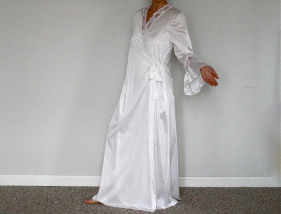 1b7c605cebe9 Vintage Henson Kickernick Nightgown Robe Peignoir Set White Trumpet sleeves  Lace Inserts Size M med medium