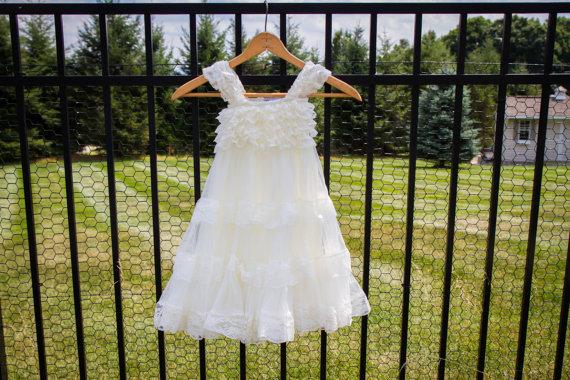زفاف - Ivory Lace Flower Girl Dress -Ivory Lace Baby Doll Dress/Rustic Flower Girl/-Vintage Wedding-Shabby Chic Flower Girl Dress-Christening Dress