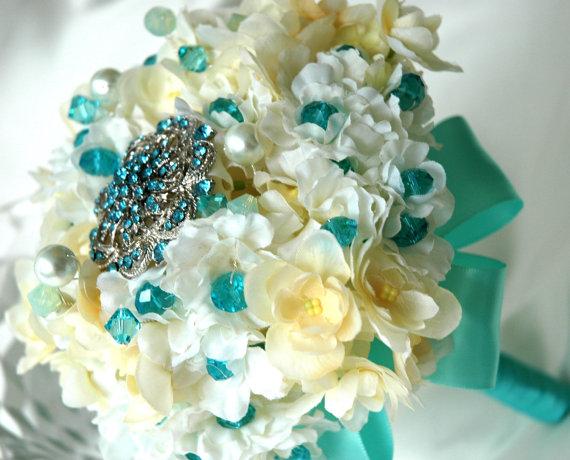 Bridal Bouquet Throwing : Mini bride bouquet toss wedding tiffany blue