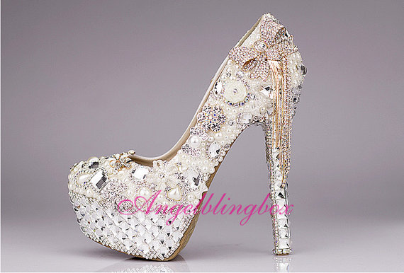 Mariage - 5.5 inchesWhite/Ivory wedding shoes,white bridal shoes, bling crystal high heels, pearls crystal shoes in handmade