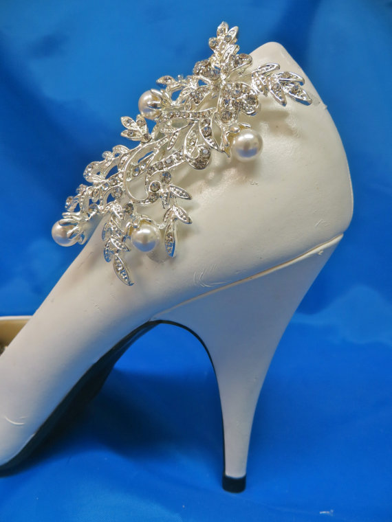 Mariage - Rhinestone Pearl Shoe Clips, Crystal Bridal Wedding Shoe Clips, Set of 2