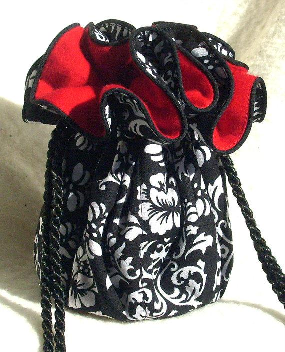 Mariage - Anti Tarnish  Damask Jewelry Pouch, Bag, Tote in black white and red