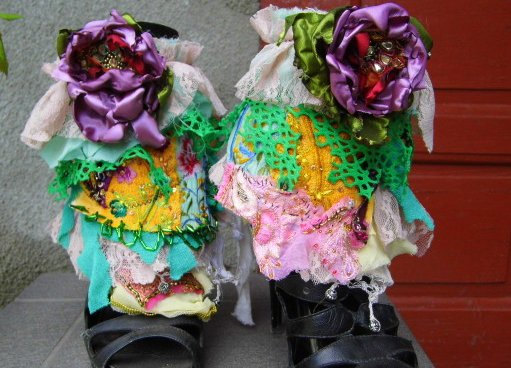 Mariage - Spats, shoe accessoires, fairy punk, spring wedding shoe spats, victorian decadence, let them eat cake, tatter punk, layers and frills, lace
