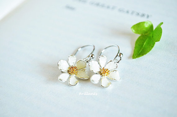 daisy half shannon earrings silver munro