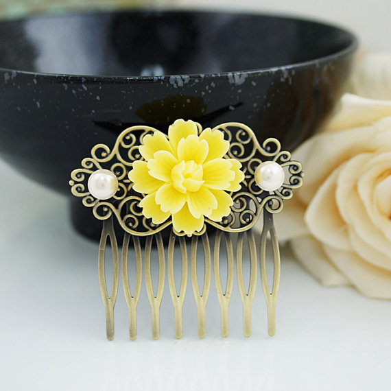 Mariage - Wedding hair accessories Bridesmaids Gift Wedding Hair Comb Vintage Style Yellow Sakura Flower Bridal Hair Comb Bridal Hair accessories
