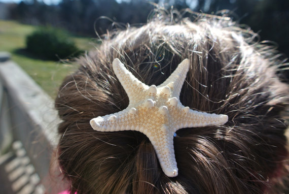Mariage - Real Knobby Starfish Hair Pin, Beach Wedding Hair Accessories,  Ocean Themed Wedding, Flower Girl Favors