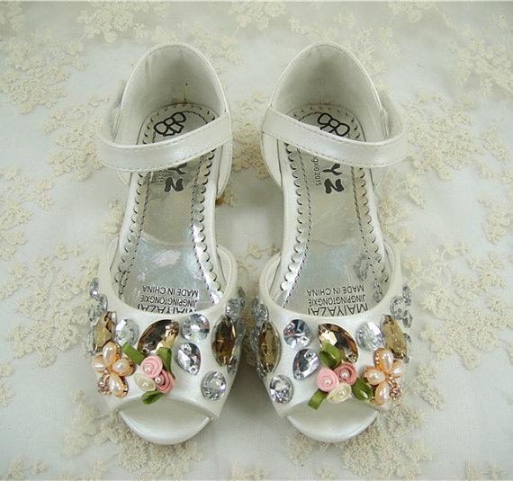 زفاف - Flower Girl Shoes, Pearl Wedding Shoes, Crystal Girl Shoes, Peep toe Wedding Shoes, Pink Pearls Dance Shoes, Floral Little Bridesmaid Shoes