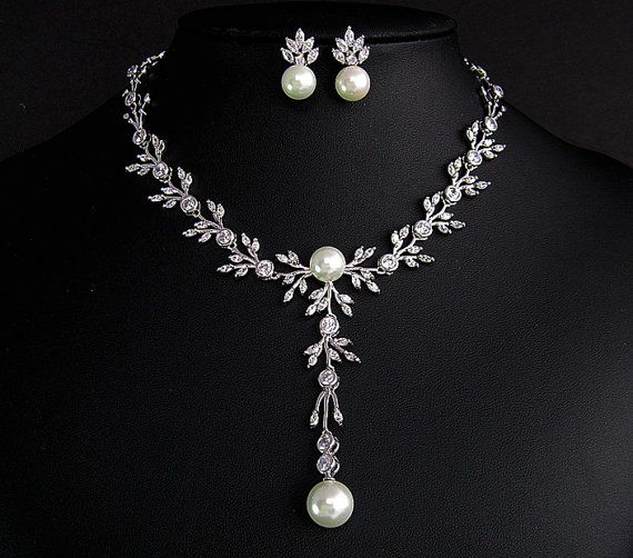 Mariage - Delicate floral Cubic Zirconia jewelry set , Wedding  jewelry set, CZ and pearl necklace earrings, Bridal jewelrty set, Vintage inspired