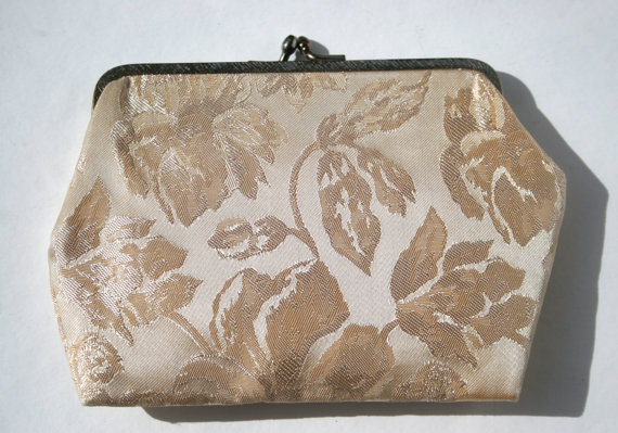 Mariage - Vintage Mid Century Clutch Purse Brocade Fabric Wedding Ivory Shiny Fabric Evening Clutch Metal Clasp