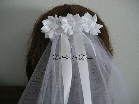 زفاف - First Communion Veil 3 White Satin Ribbon Flowers Veil with Ribbon and Pearl Streamers New
