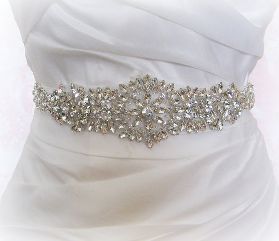 "Свадьба - Crystal Rhinestone Sash, Diamond White Bridal Sash, Off White, Ivory, Champagne Wedding Belt, Wedding Sash, 12"" of Rhinestones- KATRINA"