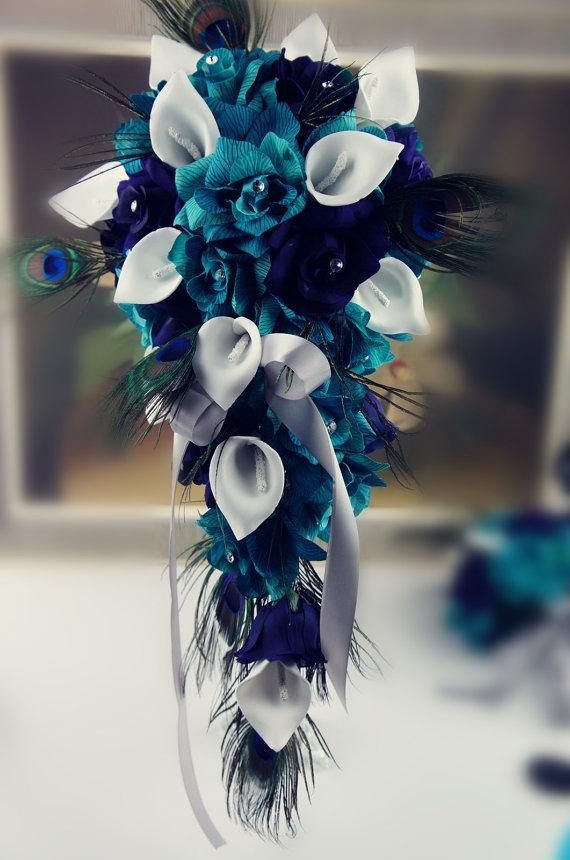 زفاف - Cascade bouquet&Boutonniere:Shades of Teal roses and Peacock feather