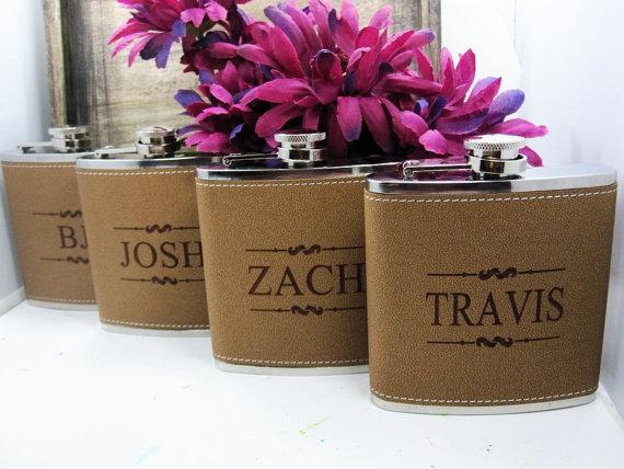 زفاف - Personalized Groomsmen Gift, 1 Leather Engraved Flask, Groomsmen Flasks