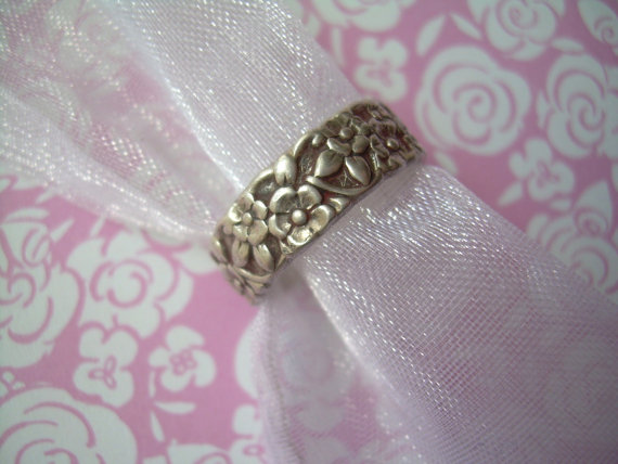 "Mariage - Victorian Wedding Band Ring Size 6.75-Vintage Silver-Collectible Designer ""Sterling"" & ""U"" With Arrows UNCAS Hallmark-Forget Me Not Flowers"