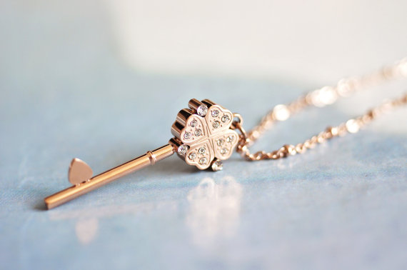 Mariage - clover key long necklace, rose gold stainless steel, everyday jewelry gift for sensitive skin bridesmaid wedding birthday Christmas friend