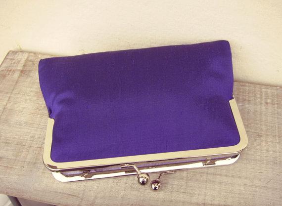 Свадьба - Cadbury purple clutch, purple purse, purple bridal clutch, purple bridesmaid clutch, purple evening clutch, purple wedding, silk clutch