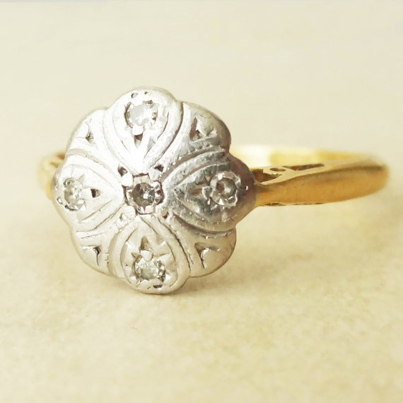 Vintage 1960 s Diamond Leafy Flower Ring 18k Gold Engagement Ring Size U