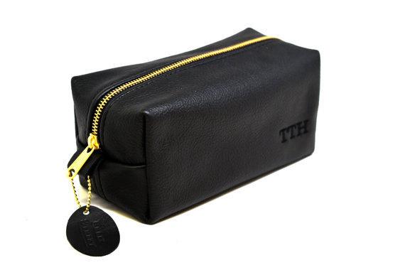 Свадьба - Handmade Leather Dopp Kit for Travel Toiletries Case Gift for Groomsmen with Free Custom Initials and Optional Interior Lining Upgrade