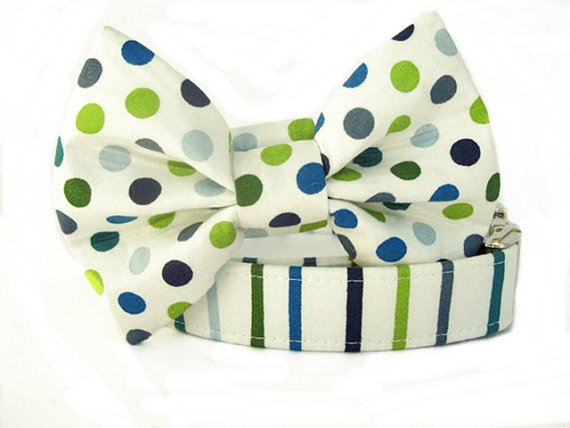 Свадьба - Striped Dog Collar with Nickel Hardware & Polka Dot Bow Tie - Cape Cod Navy Blue Green White