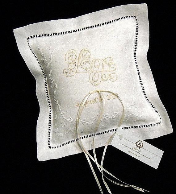 Свадьба - Ring Bearer Pillow, Personalized Irish Linen Ring Bearer Pillow, Style 5825