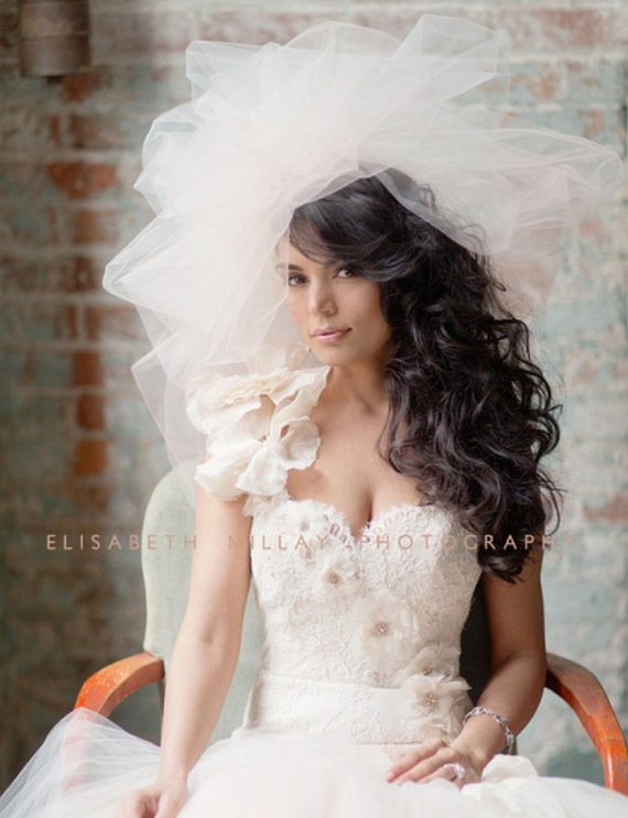 Mariage - Bubble Wedding Veil -- Bridal Veil, Available in other shades