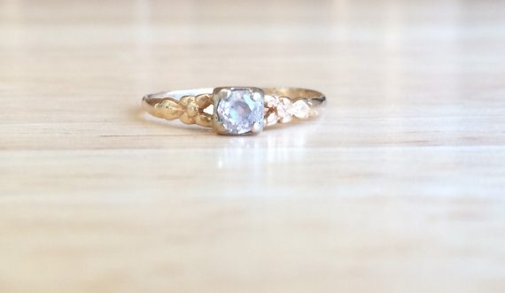 Mariage - Vintage Art Deco 10kt Yellow Gold Diamond Ring - Floral Bow Shoulders - Size 6 3/4 Sizeable Engagement / Wedding Antique Stacking Jewelry