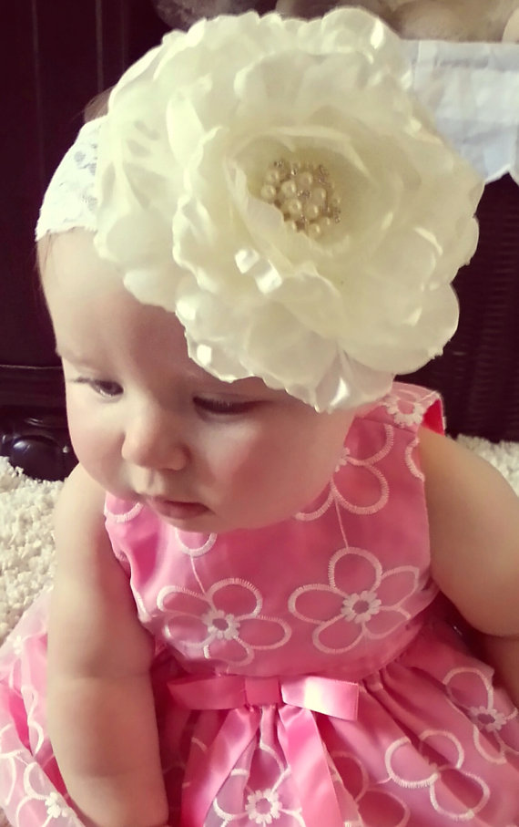 Mariage - Baby girl headband,  with big silk flower,  perfect for first photo, photo prop,new born photo, baptism, wedding, Easter.