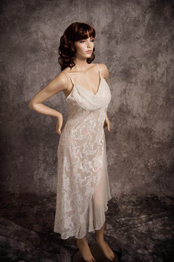 3151506765 Vintage Victoria s Secret Nightgown Lingerie Ivory Chiffon Satin Size Medium