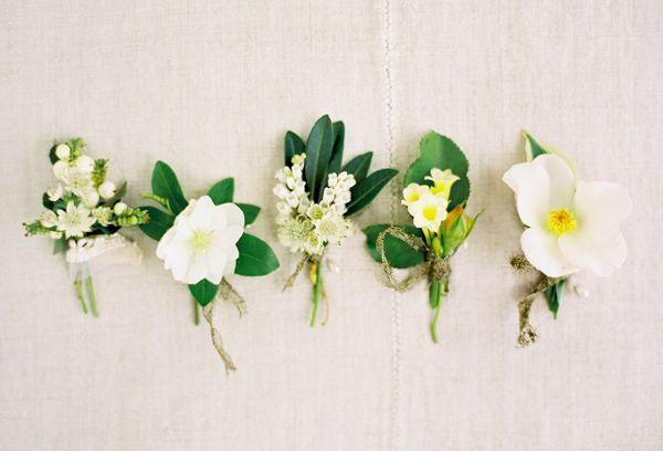 Свадьба - Garden Green And White Boutonnieres