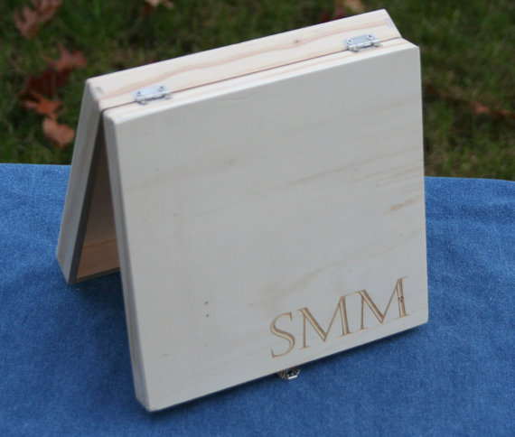 Свадьба - Engraved Groomsmen Box, Groomsman and Best Man Personalized Keepsake, Grooms Party Thank You present, Unfinished Cigar Box