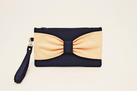 زفاف - Promotional sale - Navy peach wristelt clutch,bridesmaid gift ,wedding gift ,make up bag,zipper pouch