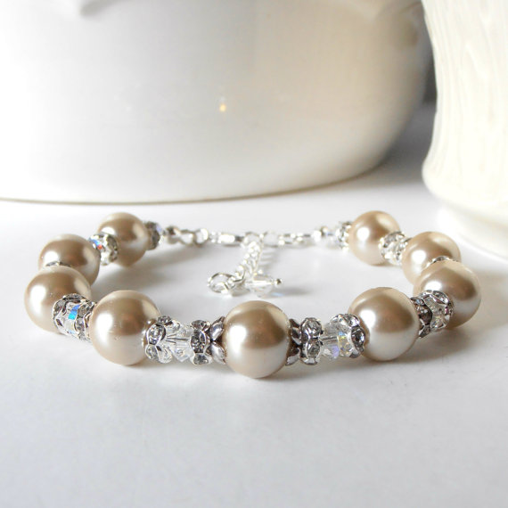beaded beige pearl bracelet with clear crystals and