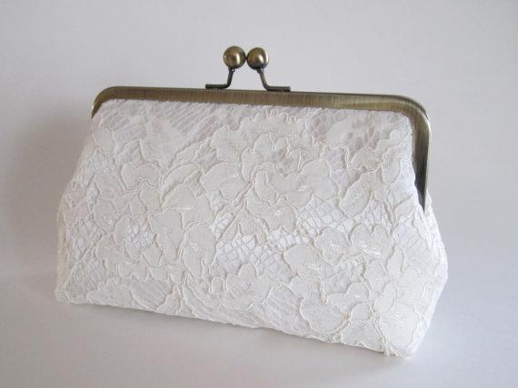 زفاف - Ivory Satin And Lace Clutch,Bridal Accessories,Bridesmaid Clutch,Wedding Clutch,Bridal Clutch,Bags And Purses