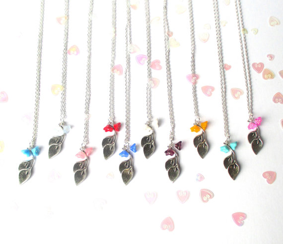 Hochzeit - Bridesmaid gift - Calla Lily necklace - Set of two, set of three, set of four, set of five, set of six - Wedding jewellery - UK