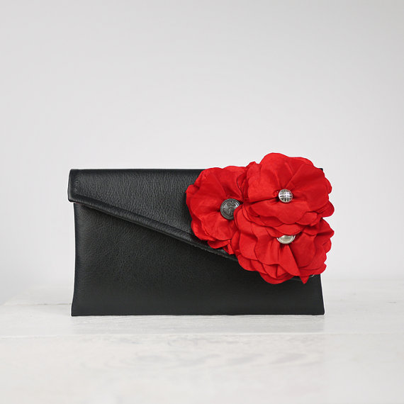 Свадьба - Red Bridesmaid Clutch, Red Wedding Party Clutch or any other color