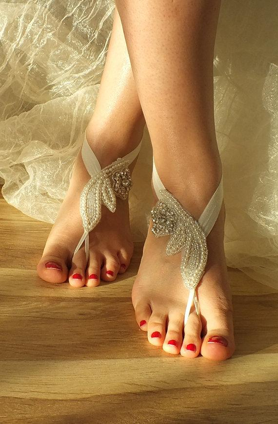 Mariage - FREE SHIP Beach wedding barefoot sandals, Bridal shoes , Wedding Jewelry, Anklet Rhinestone Barefoot Sandles, Jewelry pearl Barefoot Sandals