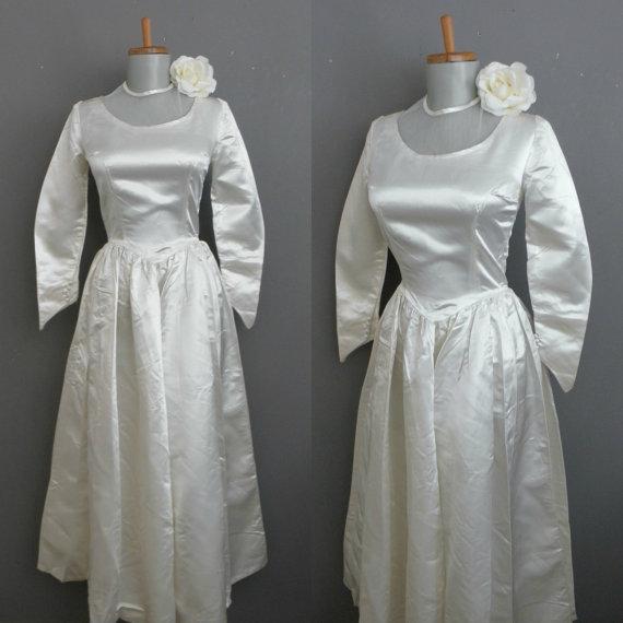 Свадьба - CLEARANCE SALE Vintage 50s Wedding Dress / Ivory Satin Audrey Hepburn High Neck Demure Gown ggmm