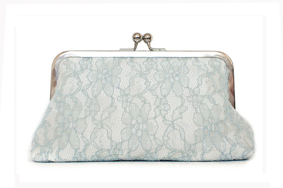 Свадьба - Grey lace purse, ivory silk clutch, something blue, winter wedding, large size purse, bridal clutch, silver kisslock frame
