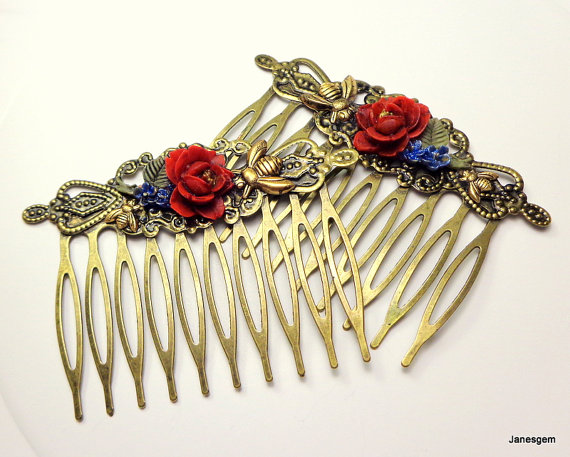 Hochzeit - Red Rose Hair Jewelry, Antiqued Brass, Hair Combs,Honey Bee Combs,Flower Hair Jewellry,Bride,Bridesmaid,Wedding Accessories,Vintage Style