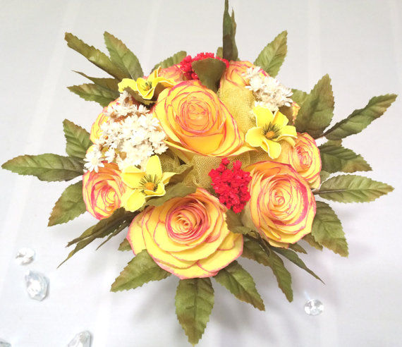 Wedding Flower Tips: Yellow Paper Roses With Rose Colored Tips And Silk Flowers