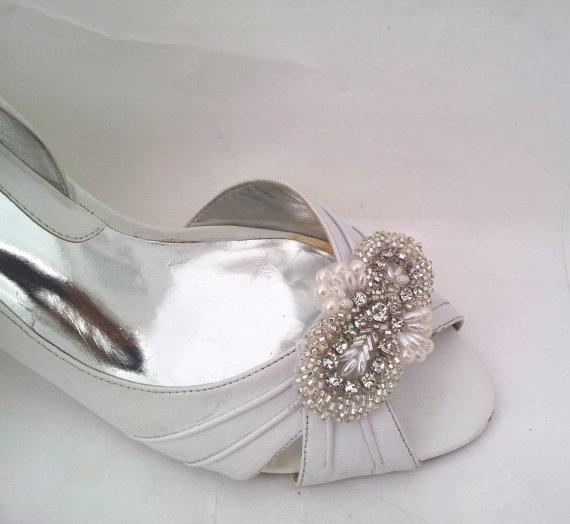 زفاف - bridal shoe clips, wedding shoe clips, rhinestone and pearl bridal shoe clips - ORLIE